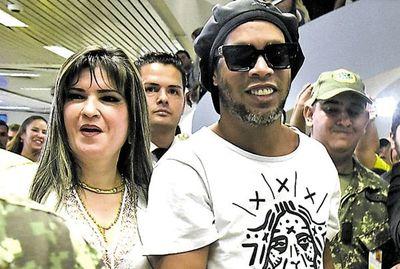 """Caso Ronaldinho: """"Gestores"""" dan su versión, cuestionan trabajo de Fiscalía y apuntan a altas autoridades"""