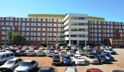HOY / Hospital de Clínicas: aumentaron pedidos de exoneración y ayuda social