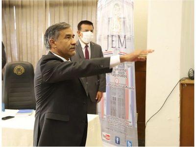Ministro Ramírez Candia jura como miembro del JEM