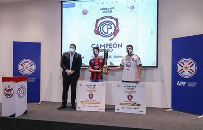 Cerro Porteño se llevó a Barrio Obrero el trofeo de la primera edición de la eCopa APF