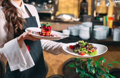 """Restaurantes irán a la quiebra si se endurece nuevamente las medidas por culpa de """"algunos irresponsables"""""""