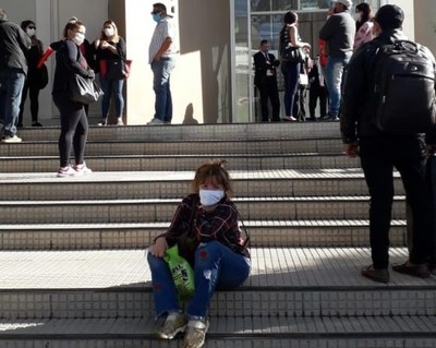 Paraguayos varados piden volver a Argentina