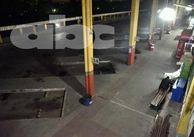 Terminal de Ómnibus vacía por medida de fuerza de transportistas