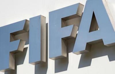 La FIFA sobre los homenajes de los futbolistas al fallecido George Floyd: 'Merecen un aplauso'