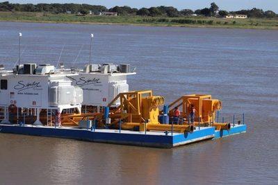 Pilar recibe dragas para continuar construcción de su defensa costera