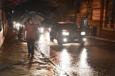 Jueves lluvioso y con escasa variación térmica