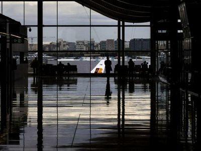 Alrededor de 332 compatriotas retornarán hoy de España