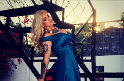Lilian Ruíz en el video de un cantante internacional