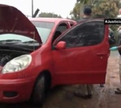 Abandonan vehículo utilizado en millonario robo en Ñemby