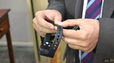 Ingresantes al país podrían usar pulseras electrónicas durante cuarentena en casa