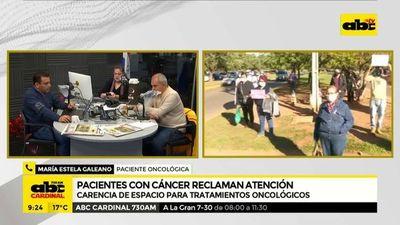 Pacientes con cáncer reclaman atención