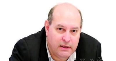 Economista advierte de quiebra masiva si se vuelve al encierro total