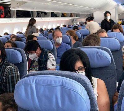 Se espera esta noche la llegada de 337 compatriotas desde Europa