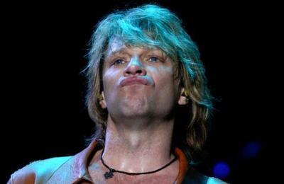 Hijo de Bon Jovi se vuelve viral por ser idéntico a su papá