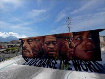 Recuerdan a George Floyd con un nuevo mural antirracista