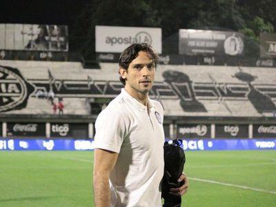 Roque Santa Cruz le marcó la cancha a los dirigentes de fútbol