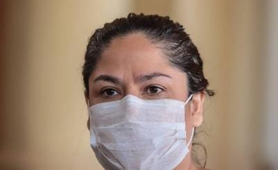 HOY / Personal de Salud usó 800 mascarillas vencidas donadas por Patricia Samudio