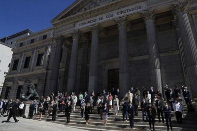 España termina luto oficial en silencio para recordar a muertos de Covid-19 – Prensa 5