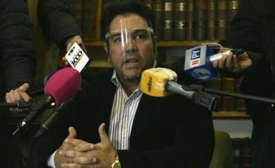 Óscar Tuma renuncia a representar legalmente al papá de Juliette