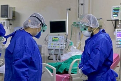 HOY / Pacientes en terapia con COVID-19 pasarían a sala común en los próximos días