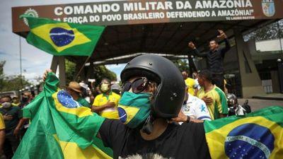 """Coronavirus en Brasil: """"Es como estar al lado de una bomba de tiempo"""", afirma infectólogo"""