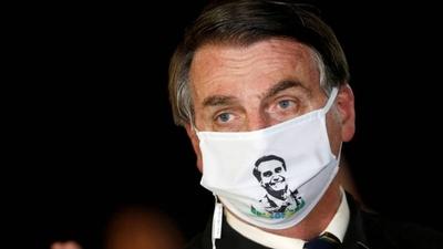HOY / Bolsonaro amenaza con retirar a Brasil de la OMS