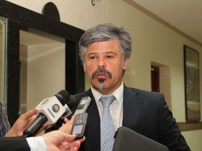 Giuzzio confirma irregularidades reiteradas en compras de Salud