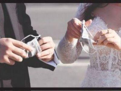 Vuelven las bodas: tras 86 días, hoy se casa una pareja