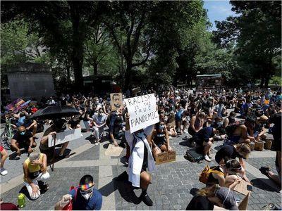 Nueva York vive un sábado con decenas de protestas