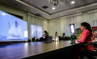 HOY / Silvana Abdo se reúne con el Papa y otras Primeras Damas