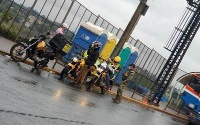"""Marinos coimean sin control al ser dueños """"absolutos"""" de la zona primaria de CDE"""