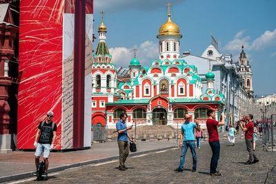 Moscú sale del confinamiento mientras la pandemia se agrava en América Latina
