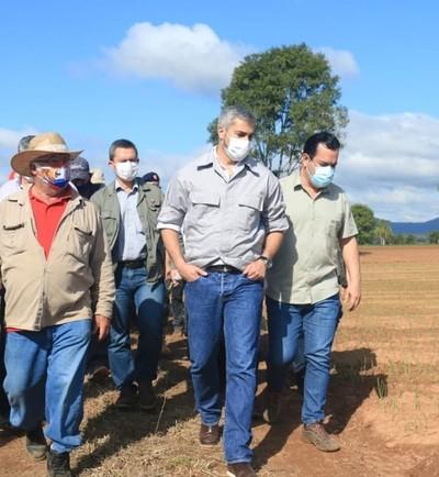 El gobierno avanza en obras sociales y apoyo a pequeños productores