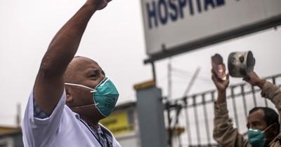 Hospitales casi saturados en Perú, donde los casos de COVID-19 superan 200.000