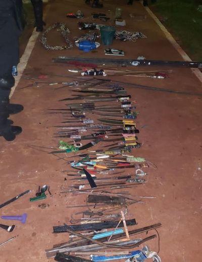 Estoques, lanzas y hasta planta de marihuana fueron incautados en la cárcel de PJC