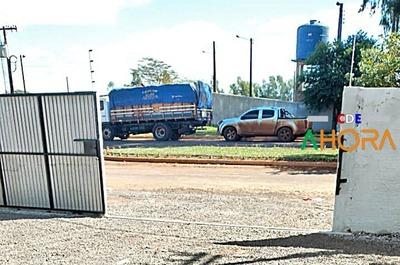Aduaneros de COIA cobran G. 14 millones por camión con carga de CONTRABANDO
