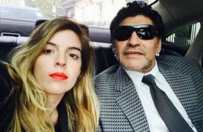 Hija de Maradona criticó la serie biográfica sobre su padre: 'El escándalo es lo único que les importa'