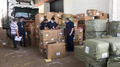 Incautan insumos médicos que habrían ingresado de contrabando · Radio Monumental 1080 AM