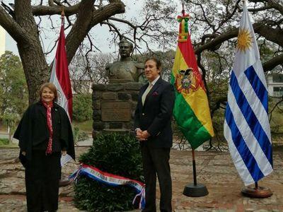 Con ofrenda floral, conmemoran la Paz del Chaco en Uruguay