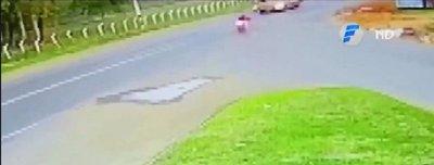 Salió al paso de bus a gran velocidad