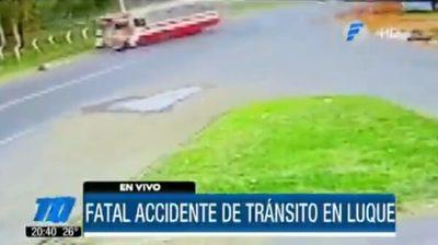 Motociclista muere tras chocar contra bus en Luque
