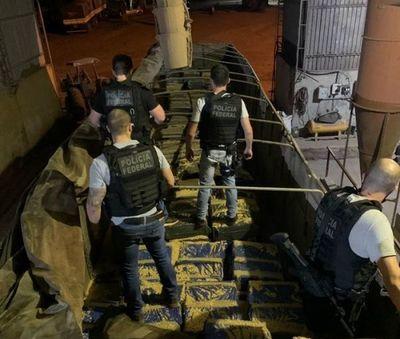 Ponta Porã: Policía Federal brasileña incauta más de 11 mil kilos marihuana escondidas en cargamento de maíz