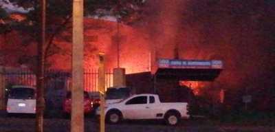 Menor de 16 años fallece en explosión en Villa Elisa