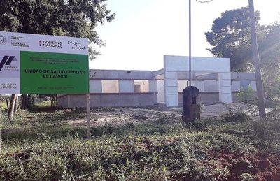 Abandonan construcción de Unidad de Salud de  la Familia en Tacuatí