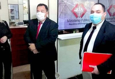 Incidentes en pasillos de Fiscalía entre dos abogados y su víctima
