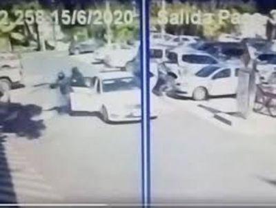 Detuvieron a dos por asalto en estacionamiento del Shoping del Sol