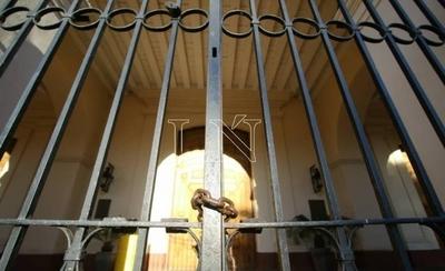 HOY / Gobierno no cede ante Iglesia: misas seguirán con límite de 20 personas