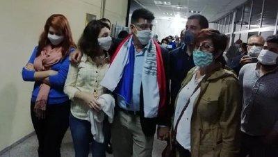 Incidentes en audiencia de imposición de medidas de Efraín Alegre · Radio Monumental 1080 AM