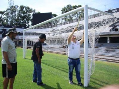 El fútbol paraguayo se venía jugando con arcos que no tenían medidas reglamentarias