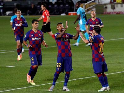 Barcelona triunfa y se afianza en la cima